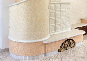 Stufa in maiolica con ripiano in marmo biancone lucidato