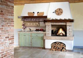 Cucina classica Bordo del caminetto in giallo d'Istria spazzolato
