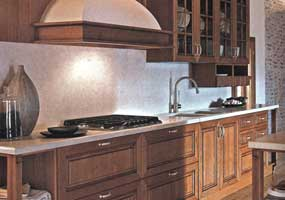 Top e schienale cucina classica in marmo giallo d'Istria spazzolato anticato