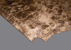 Cucina in marmo Emperador lucidato con bordo sagomato