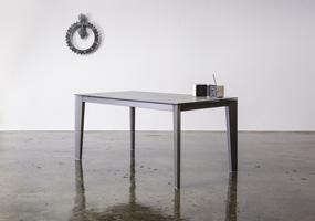 Tavolo in pietra di Savoia antracite
